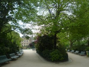 Bancs « gondole » au square du Temple © Chiara Santini