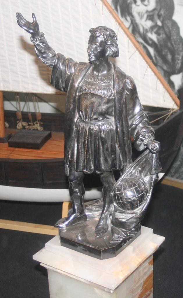 Christophe Colomb a rapporté le piment lors de son premier voyage - Statuette en argent de Charles Cordier – Musée de la Marine à Paris - © J.F. Coffin