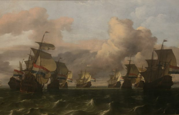 La route maritime a été déterminante dans le commerce des épices, illustrée ici par « le retour de la flotte de la Compagnie des Indes néerlandaises » par Ludolf Backhuysen 1677 – musée du Louvre - © J.-F. Coffin