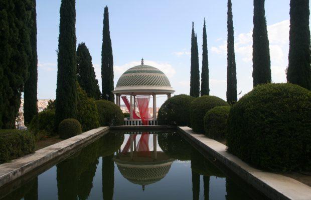 Le belvédère romantique du jardin botanique historique La Concepción, d'où l'on peut admirer le panorama sur la ville de Malaga - © J.-F. Coffin