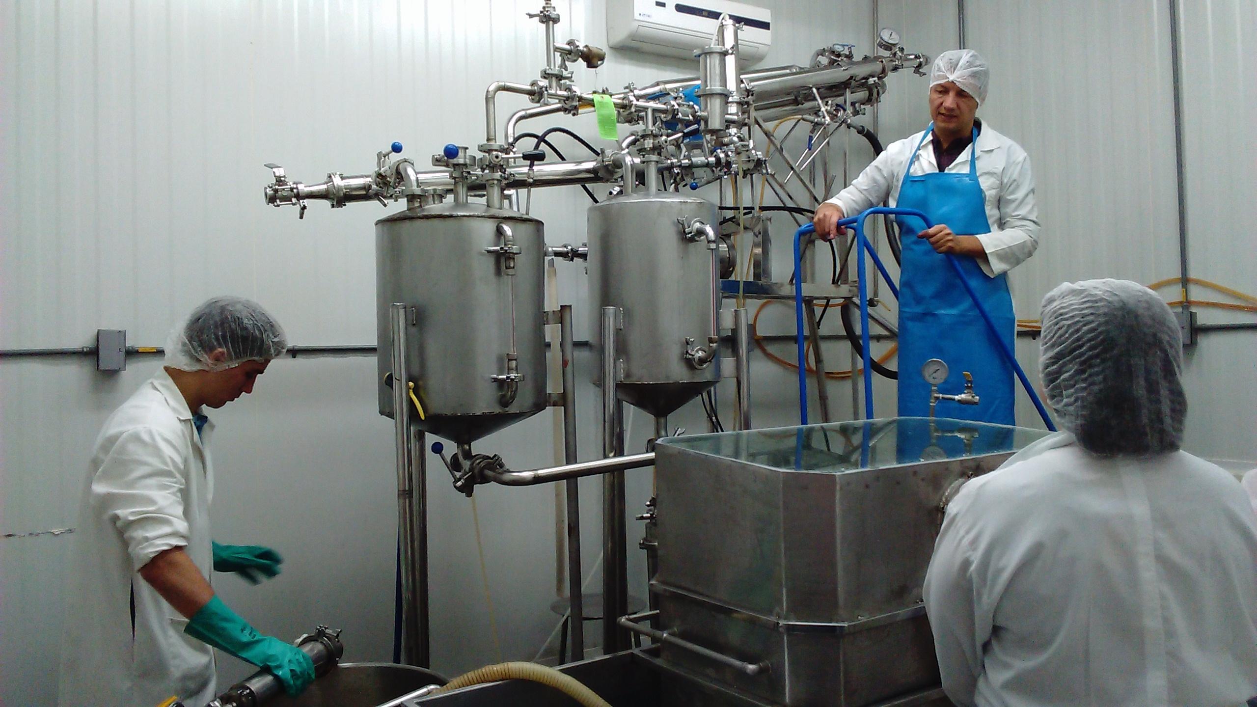 La microfiltration est un procédé qui permet de conserver en bouteille de nombreuses qualités des fruits - © D.R.