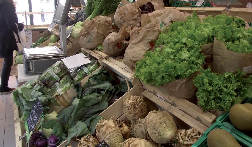 Magasin de producteurs la Nouvelle Douane, dans le centre-ville de Strasbourg (67). L'action publique de certaines collectivités tend à privilégier une double politique : agricole et alimentaire - © Aurore Micand/Plante & Cité