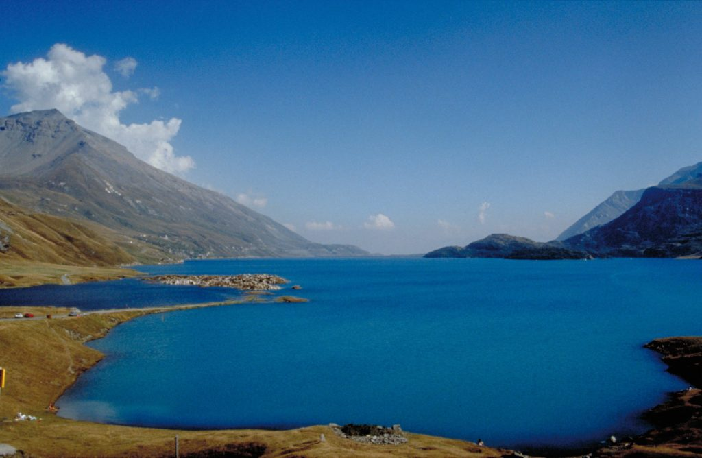 La retenue du Mont-Cenis (Savoie) est ancien lac naturel dont le niveau a été relevé par barrage artificiel en1921 et1971. Les sédiments de telles retenues pourraient servir à remplacer la terre végétale - © Gérard Balvay, Inra