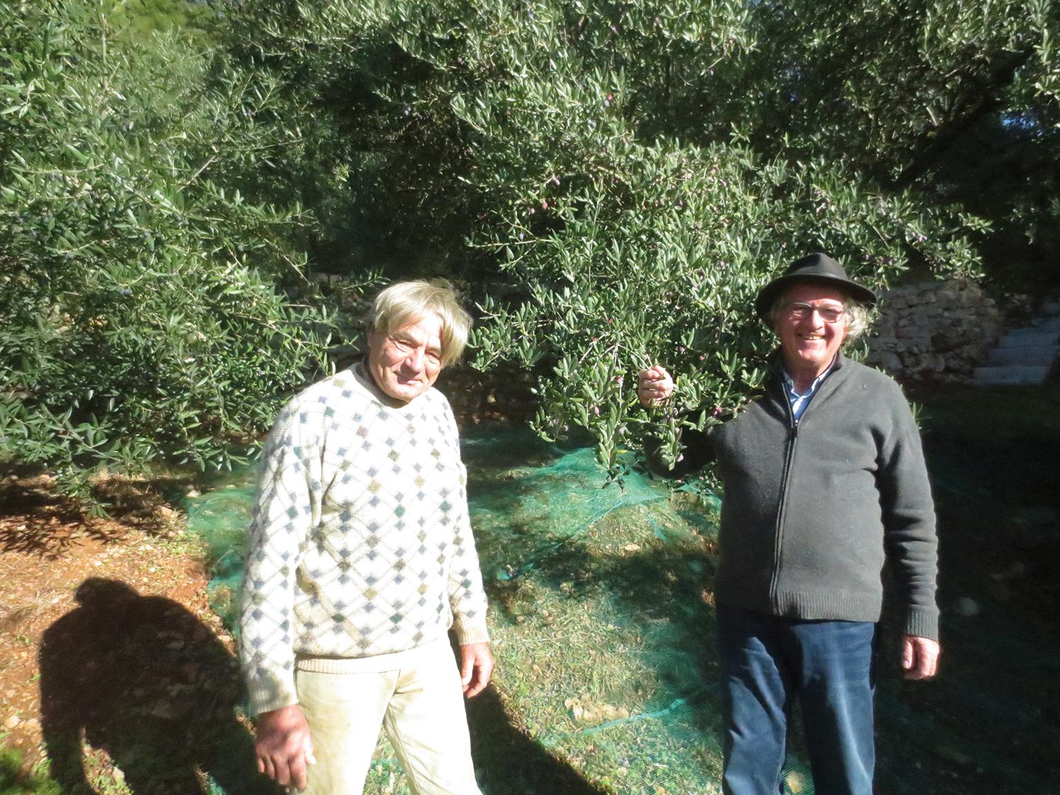 Alain Monnani, le poète des oliviers, et Jacques Mouchotte, sous le soleil varois - © J. Mouchotte